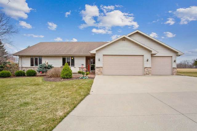 122 Parkway Drive, Combined Locks, WI 54113 (#50237863) :: Dallaire Realty