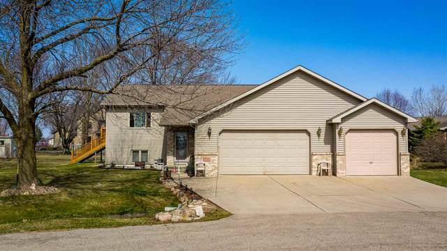 6473 Sandcrane Lane, Winneconne, WI 54986 (#50237927) :: Todd Wiese Homeselling System, Inc.