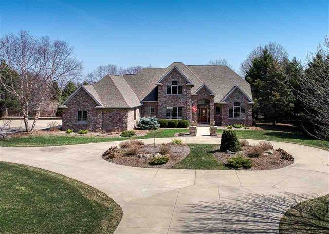 8224 Golf Course Drive, Neenah, WI 54956 (#50237942) :: Ben Bartolazzi Real Estate Inc