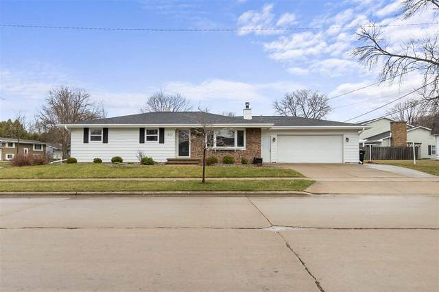 1826 W Grant Street, Appleton, WI 54914 (#50237975) :: Todd Wiese Homeselling System, Inc.