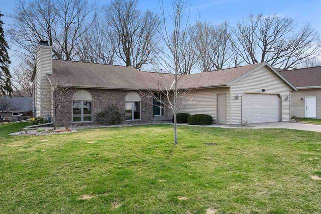 1415 Mohican Court, Green Bay, WI 54313 (#50238020) :: Todd Wiese Homeselling System, Inc.