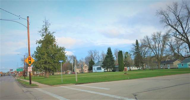 517 & 521 W Main Street, Wautoma, WI 54982 (#50238101) :: Dallaire Realty