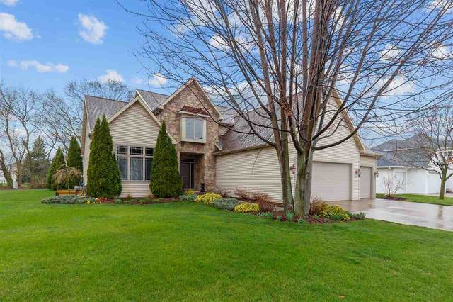 5017 N Waterford Drive, Appleton, WI 54913 (#50238125) :: Dallaire Realty