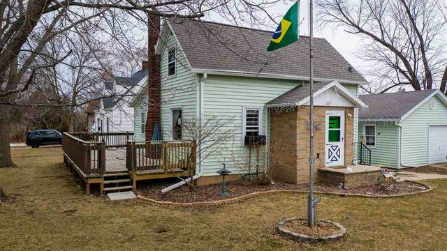 427 S Warner Street, Appleton, WI 54915 (#50238135) :: Todd Wiese Homeselling System, Inc.
