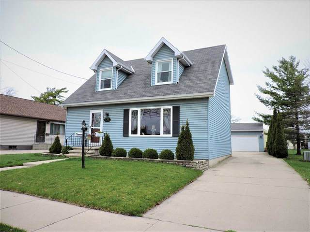 1132 Taft Avenue, Oshkosh, WI 54902 (#50238139) :: Todd Wiese Homeselling System, Inc.