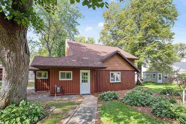 N6521 Harrison Road, Hilbert, WI 54129 (#50238145) :: Todd Wiese Homeselling System, Inc.