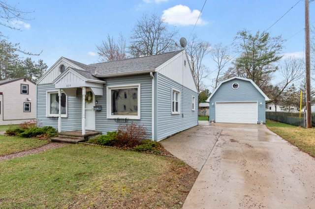 824 8TH Street, Waupaca, WI 54981 (#50238147) :: Todd Wiese Homeselling System, Inc.
