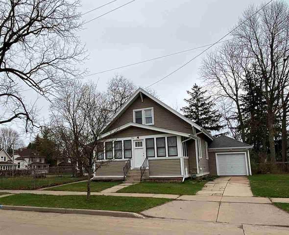 686 Evans Street, Oshkosh, WI 54901 (#50238149) :: Todd Wiese Homeselling System, Inc.