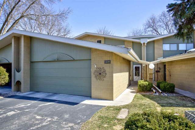 1245 W Nicolet Cercle, Appleton, WI 54914 (#50238151) :: Todd Wiese Homeselling System, Inc.