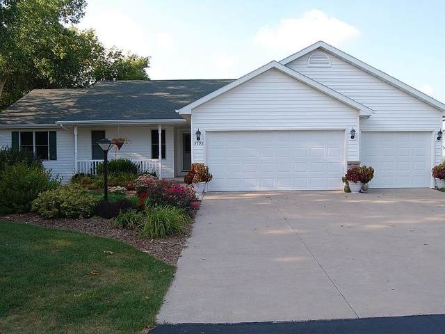 W5792 Hearthstone Drive, Appleton, WI 54915 (#50238162) :: Todd Wiese Homeselling System, Inc.
