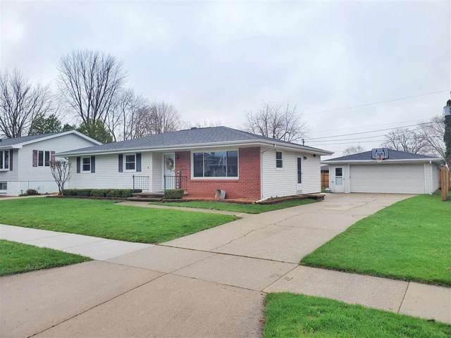 200 S Fidelis Street, Appleton, WI 54915 (#50238184) :: Todd Wiese Homeselling System, Inc.