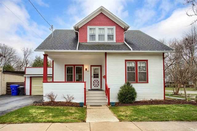 425 W Spring Street, Appleton, WI 54911 (#50238201) :: Todd Wiese Homeselling System, Inc.