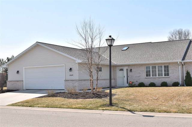 1589 River Pines Drive, Green Bay, WI 54311 (#50238205) :: Todd Wiese Homeselling System, Inc.