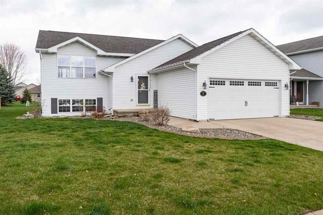 131 Olde School Road, Neenah, WI 54956 (#50238207) :: Todd Wiese Homeselling System, Inc.