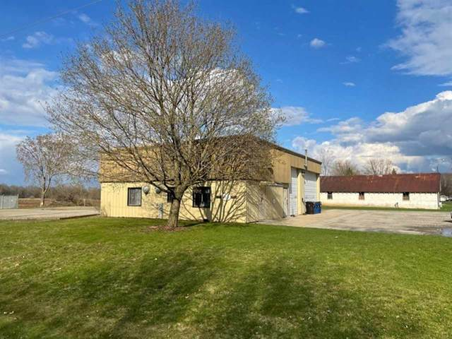 234 W Town Road, Pulaski, WI 54162 (#50238225) :: Carolyn Stark Real Estate Team