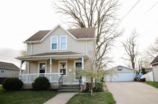 812 Desnoyer Street, Kaukauna, WI 54130 (#50238243) :: Dallaire Realty