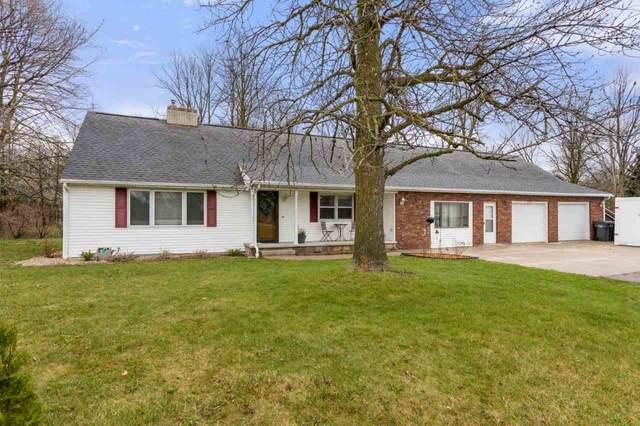 W5859 Hwy 10, Menasha, WI 54952 (#50238255) :: Todd Wiese Homeselling System, Inc.