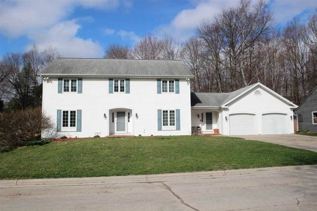 2084 Wintergreen Court, Green Bay, WI 54304 (#50238275) :: Todd Wiese Homeselling System, Inc.