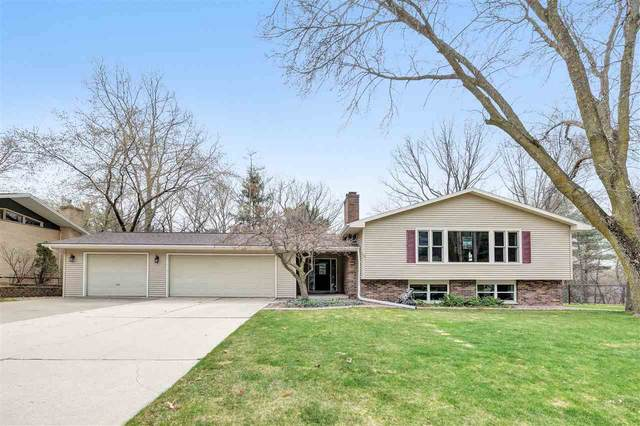 3030 Bay View Drive, Green Bay, WI 54311 (#50238282) :: Todd Wiese Homeselling System, Inc.
