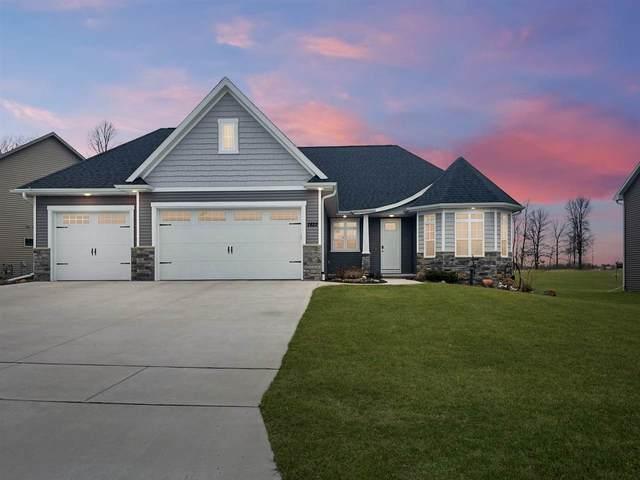 2822 Villa Way, Menasha, WI 54952 (#50238352) :: Carolyn Stark Real Estate Team