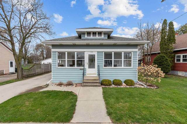 122 W 17TH Avenue, Oshkosh, WI 54902 (#50238377) :: Ben Bartolazzi Real Estate Inc