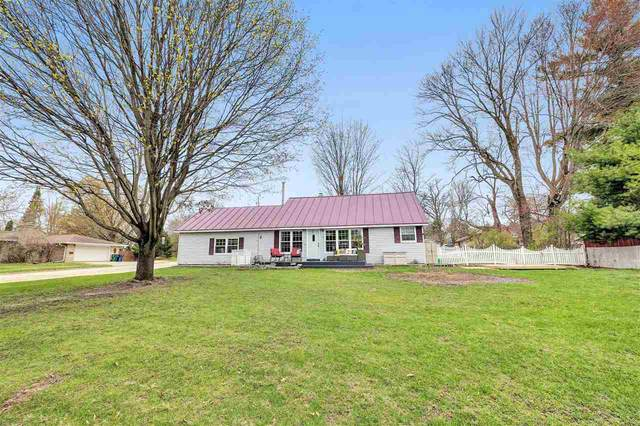 112 S Harrison Street, Waupaca, WI 54981 (#50238410) :: Ben Bartolazzi Real Estate Inc