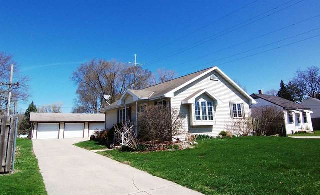 2063 Farlin Avenue, Green Bay, WI 54302 (#50238482) :: Symes Realty, LLC