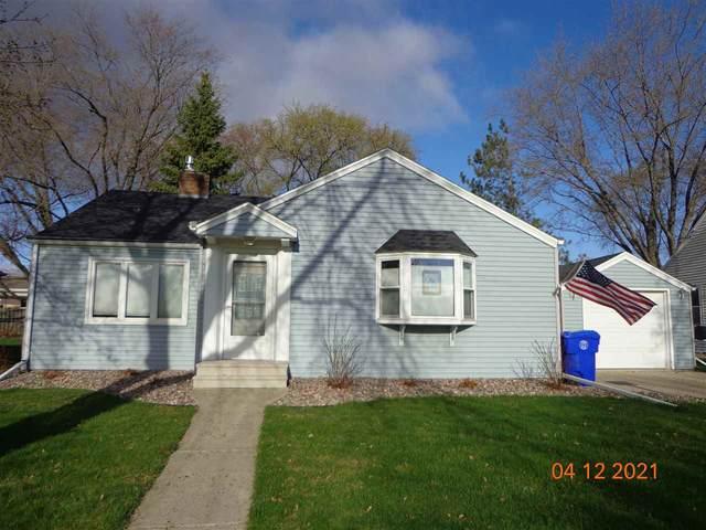 2307 N Erb Street, Appleton, WI 54911 (#50238528) :: Todd Wiese Homeselling System, Inc.