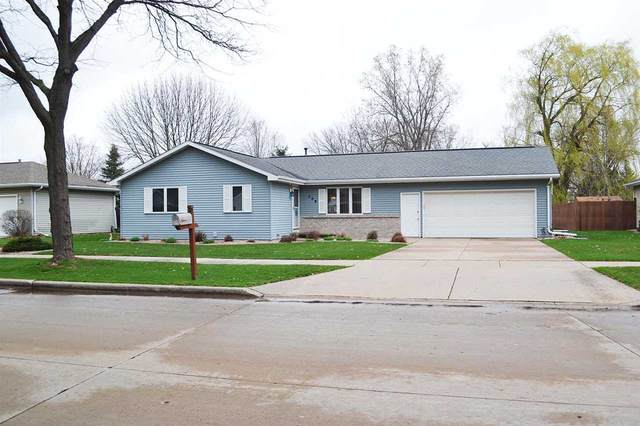 208 E Meadow Grove Boulevard, Appleton, WI 54915 (#50238540) :: Ben Bartolazzi Real Estate Inc