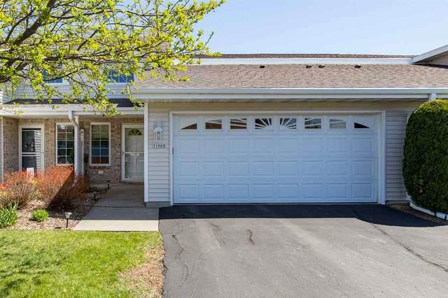 3190 White Tail Lane D, Oshkosh, WI 54904 (#50238606) :: Ben Bartolazzi Real Estate Inc