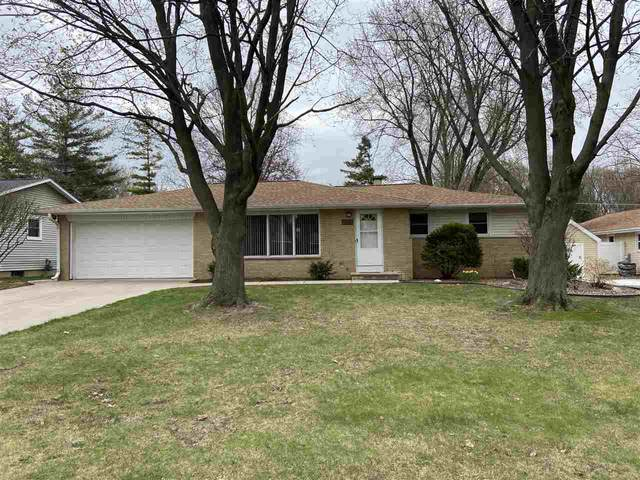 2181 Red Oak Drive, Green Bay, WI 54304 (#50238628) :: Town & Country Real Estate
