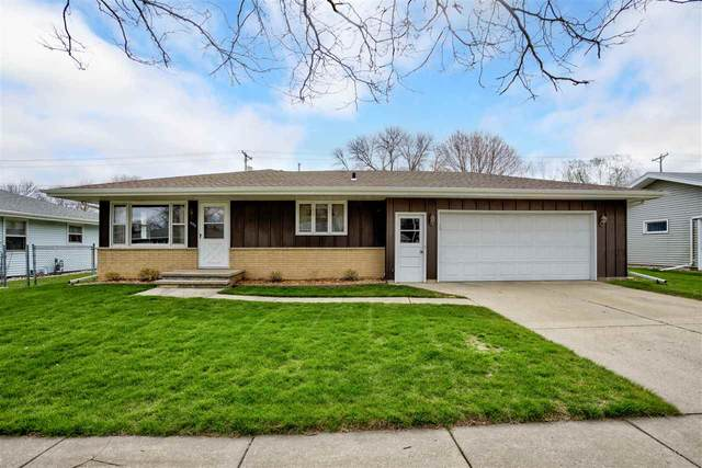 606 S Matthias Street, Appleton, WI 54915 (#50238636) :: Ben Bartolazzi Real Estate Inc