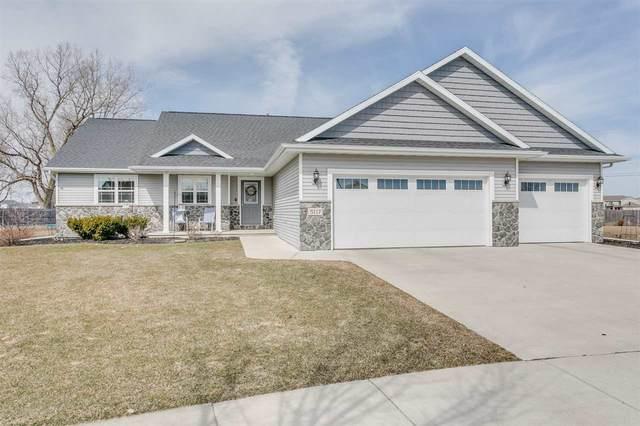 5117 N Applebend Drive, Appleton, WI 54913 (#50238649) :: Todd Wiese Homeselling System, Inc.