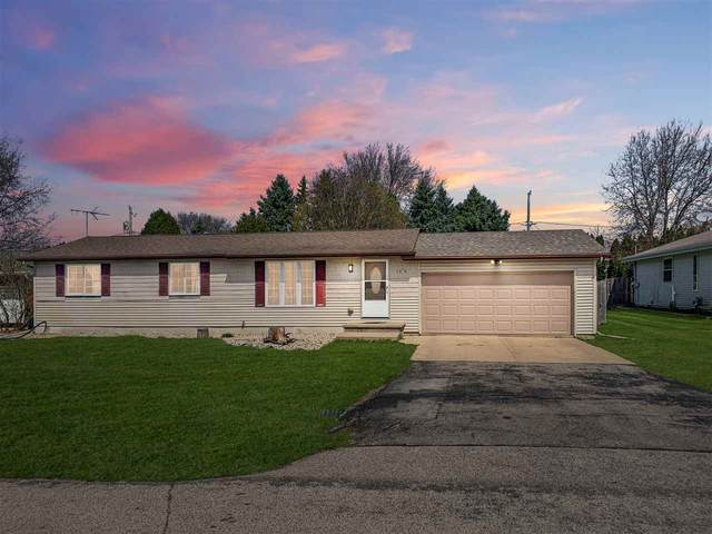 1374 W Roselawn Drive, Appleton, WI 54914 (#50238660) :: Ben Bartolazzi Real Estate Inc