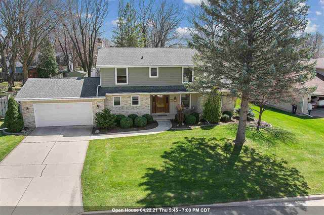 2736 S Le Capitaine Circle, Green Bay, WI 54302 (#50238747) :: Carolyn Stark Real Estate Team