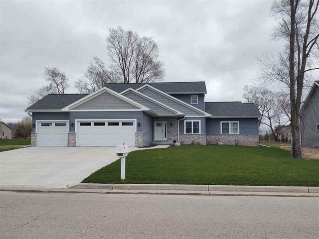 4294 N Crane Drive, Appleton, WI 54914 (#50238757) :: Ben Bartolazzi Real Estate Inc