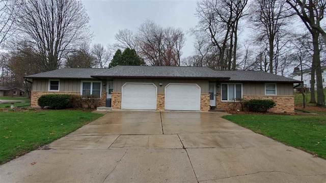 1718 Beech Tree Drive, Green Bay, WI 54304 (#50238778) :: Carolyn Stark Real Estate Team