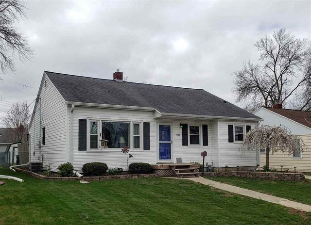 1582 Louise Street, Green Bay, WI 54302 (#50238797) :: Carolyn Stark Real Estate Team
