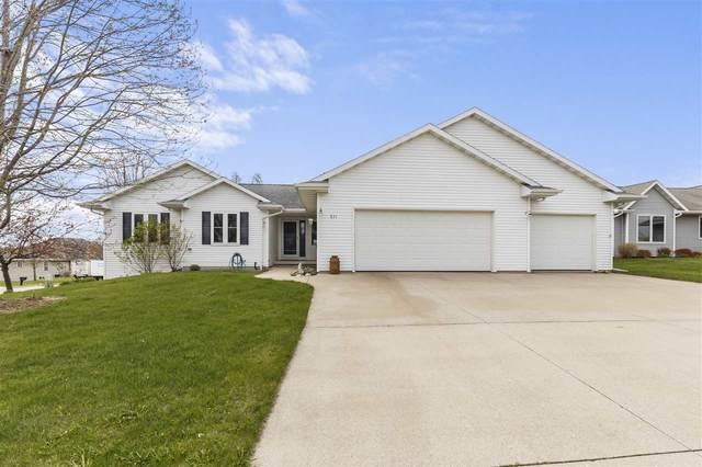 831 S Mill Street, Hortonville, WI 54944 (#50238798) :: Carolyn Stark Real Estate Team