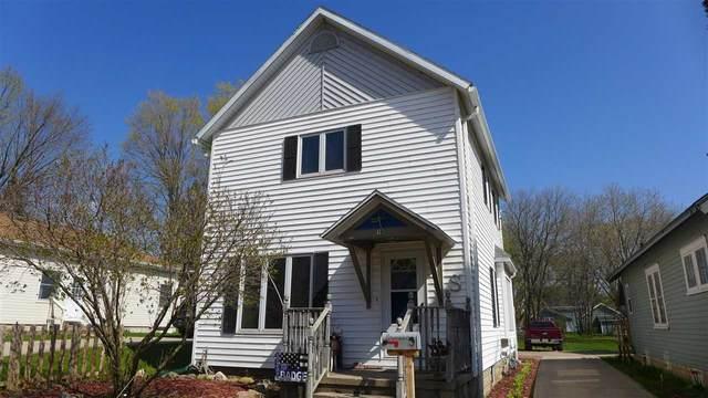 18 N Clinton Avenue, Clintonville, WI 54929 (#50238981) :: Ben Bartolazzi Real Estate Inc