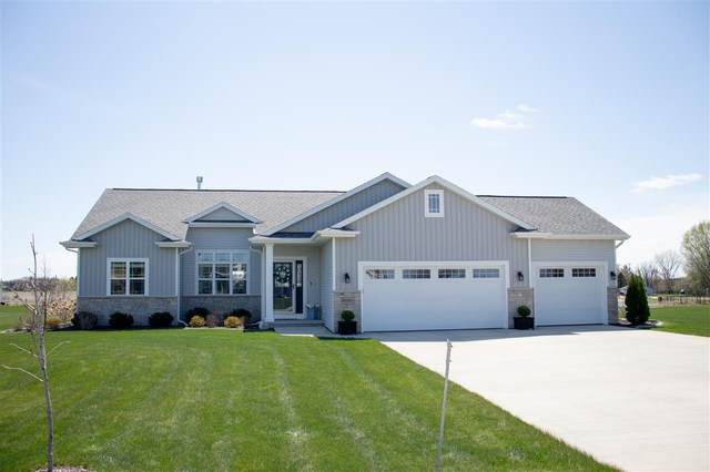 W7275 Moonlight Drive, Greenville, WI 54942 (#50238985) :: Todd Wiese Homeselling System, Inc.