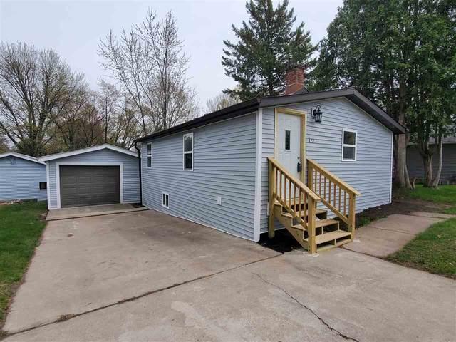 122 N Harrison Street, Waupaca, WI 54981 (#50239063) :: Ben Bartolazzi Real Estate Inc