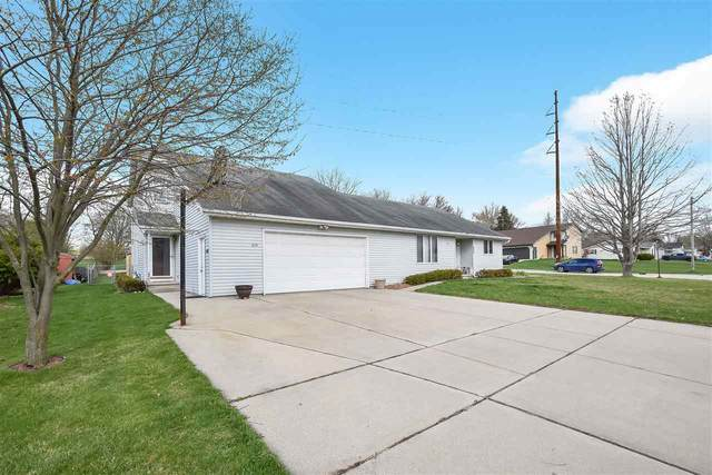 634 Menlo Park Road, Green Bay, WI 54302 (#50239079) :: Todd Wiese Homeselling System, Inc.