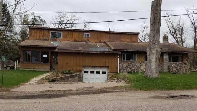 E1342 Rural Road, Waupaca, WI 54981 (#50239139) :: Carolyn Stark Real Estate Team