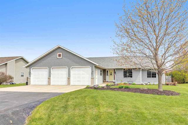 N130 Pinecrest Boulevard, Appleton, WI 54915 (#50239253) :: Todd Wiese Homeselling System, Inc.