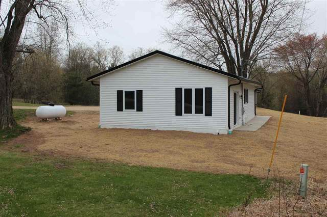 5625 Hwy Bb, Gillett, WI 54124 (#50239297) :: Town & Country Real Estate