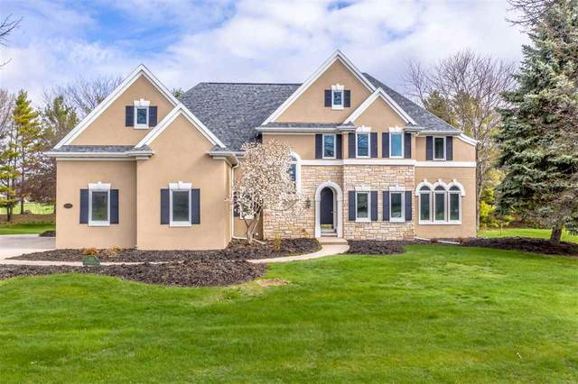 1111 Huntington Way, Suamico, WI 54173 (#50239319) :: Town & Country Real Estate