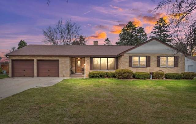 1117 Center Street, Kewaunee, WI 54216 (#50239333) :: Ben Bartolazzi Real Estate Inc