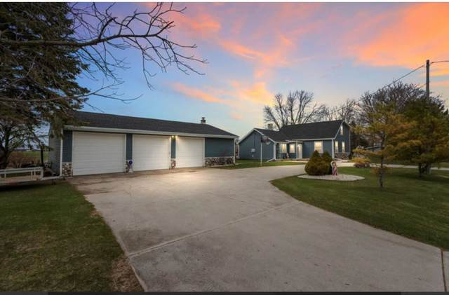 E3557 Hwy J, Kewaunee, WI 54216 (#50239336) :: Town & Country Real Estate