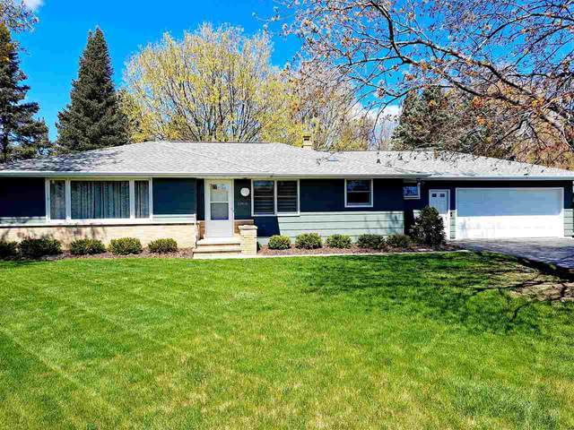 5806 Long Court, Appleton, WI 54914 (#50239401) :: Todd Wiese Homeselling System, Inc.
